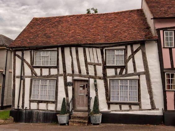"""O perigoso encanto de Lavenham, a localidade das """"casas tortas"""" — idealista/news:"""