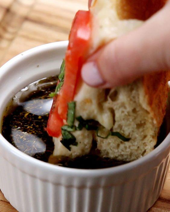 Tomato mozzarella, Garlic bread and Mozzarella on Pinterest