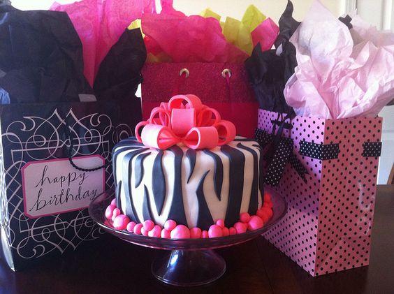 Zebra Fondant Cake by 16giles, via Flickr
