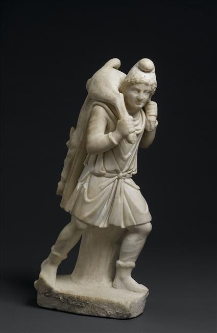 Mithra portant le jeune taureau mort. Provenance : Mithraeum de Sidon. 2e siècle, 3e siècle, Empire romain (27 av J.-C.-476 ap J.-C.) (période). Paris, musée du Louvre