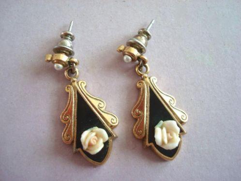 Vintage 50's 60's roos emaille parel brocante oorbellen verkopers.marktplaats.nl/7443487