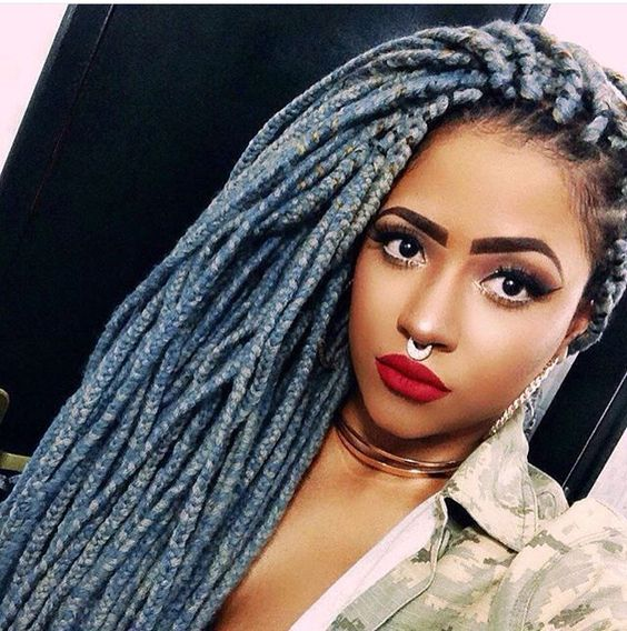 Blue yarn braids Hair White/Grey Pinterest Tricot et crochet ...