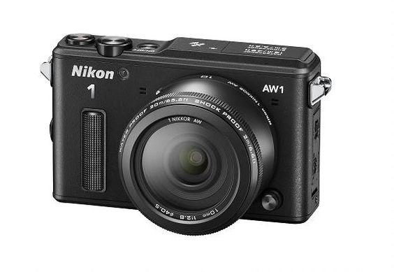 Fotocamera compatta impermeabile e antiurti Nikon
