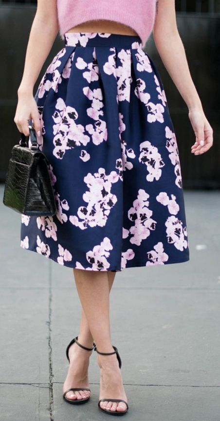 pink on navy floral midi skirt http://rstyle.me/n/upvgipdpe | la ...