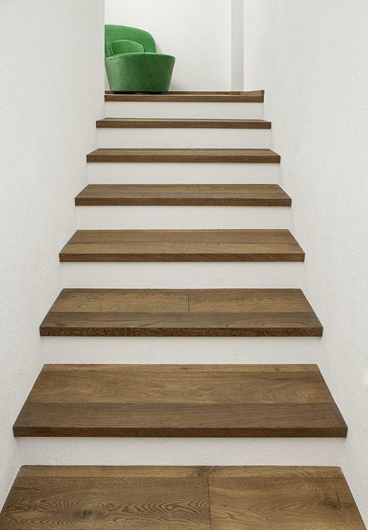 Art-Nr. 90013 Treppe aus Massivdiele Wildeiche gebürstet angeräuchert geölt #Treppe #Stiege #Parkett #Holzfußboden #Naturholzboden #Holz