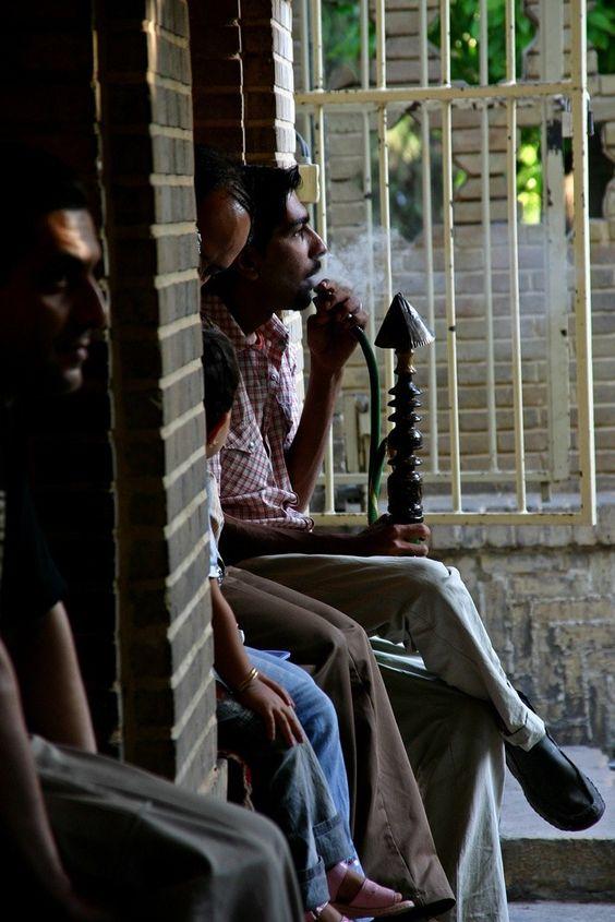 Iran: Genieten van de waterpijp: