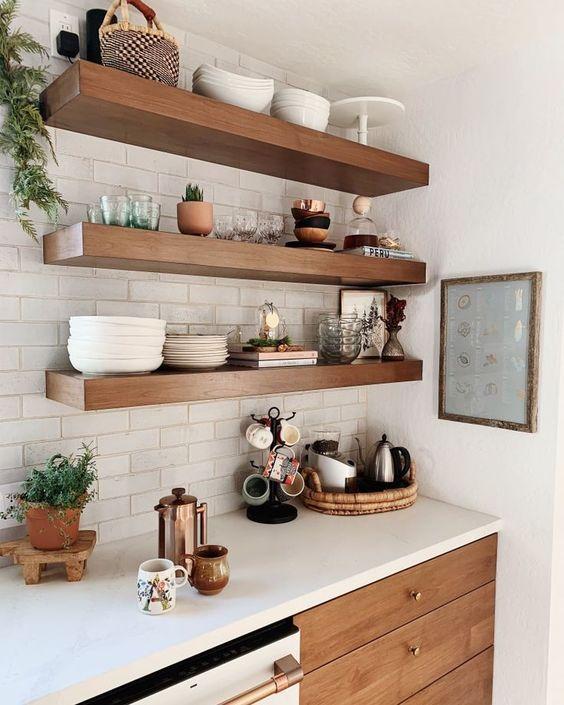 Innenarchitekten Teilen Ihre Lieblings Sentimental Home Items Check More A Homedecor In 2020 Deko Tisch Kucheneinrichtung Offene Regale In Der Kuche