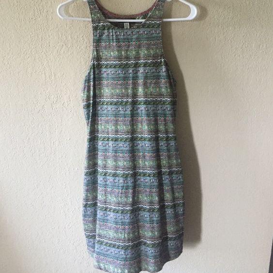 Billabong dress Short and tight billabong dress! Worn twice, excellent condition! Cute Aztec, multicolored pattern. Billabong Dresses Mini