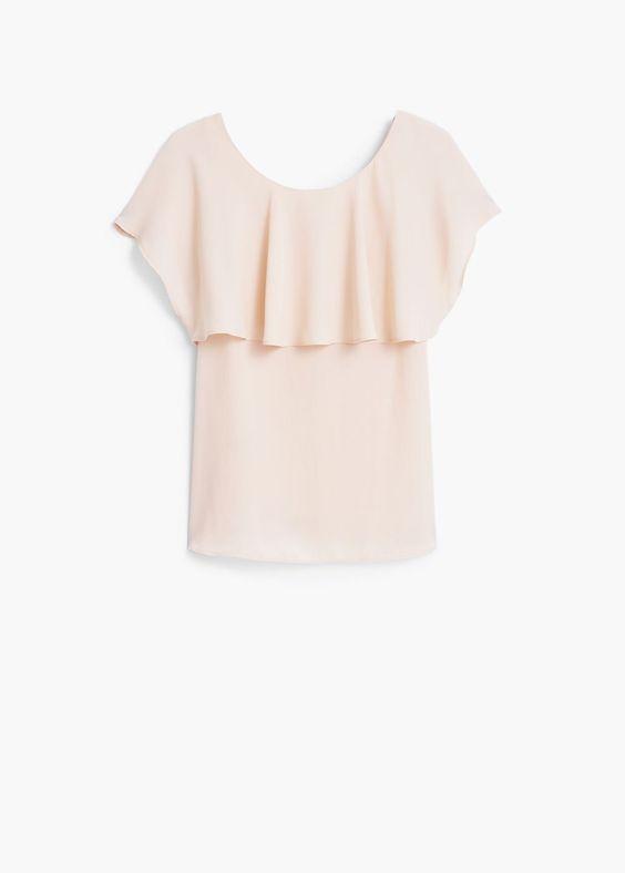 questo tipo di top, nei colori amici, da' volume al seno , oppure lo puoi indossare con degli accessori che siano dei tuoi colori. da portare dentro i pantaloni - gonna per sottolineare il punto vita perché il modello non e' sciancato in vita .