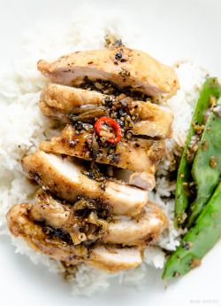 Crispy Chicken with Black Pepper Sauce on Rice