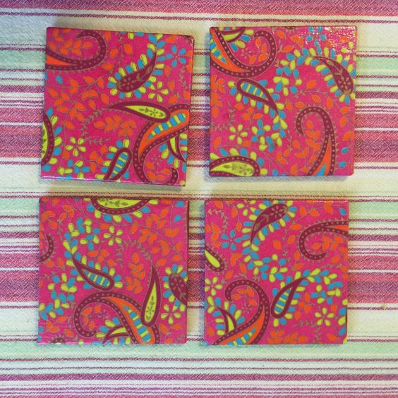 Set of six wooden coasters red paisley pattern от ZunlanDesigns