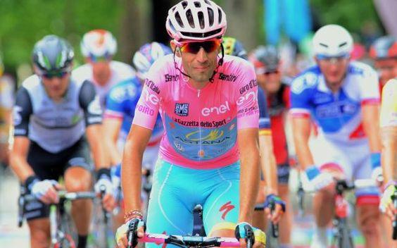 Tour de France: Astana aura deux leaders avec Arù et Nibali -                  L'équipe kazakhe de cyclisme du WorldTour Astana a annoncé lundi la composition de son groupe pour le Tour de France (du 2 au 24 juillet).  http://si.rosselcdn.net/sites/default/files/imagecache/flowpublish_preset/2016/06/27/1298461921_B979060531Z.1_20160627142050_000_GIU73RN1S.2-0.jpg - Par http://www.78682homes.com/tour-de-france-astana-aura-deux-leaders-avec-aru-et-nibali ho