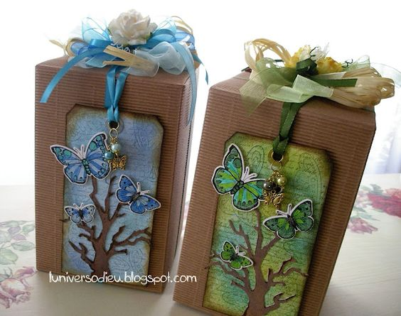 I love the plain brown gift wrap accented with the bright coloured ribbon and gift tag. What a beautiful presentation!