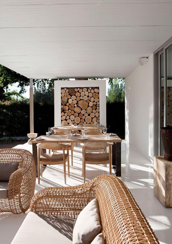 Santi's Royal Home: Maison Estate