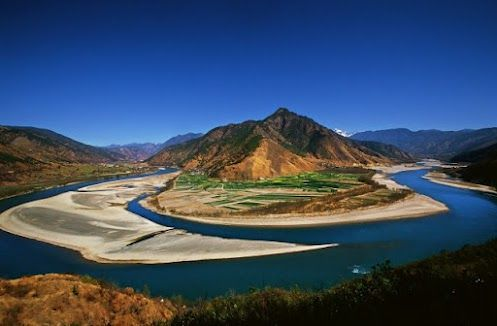 The-First-Bend of the Yangtze-River in Lijiang  source: incrediblesnaps.com