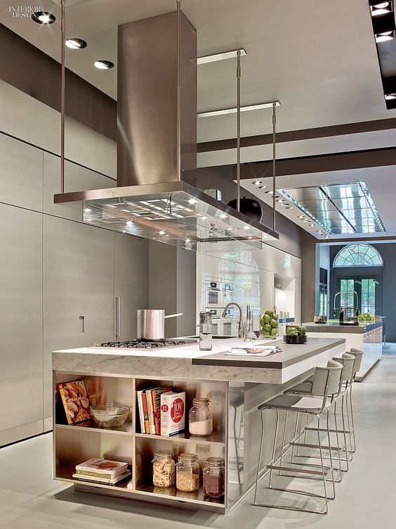 A taste of italy arclinea 39 s new york flagship led new for Ultra modern kitchen designs luxury