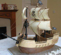 Avast! Thar be AMAZING pirate ship CAKES here! Lots of photos! Be inspired!