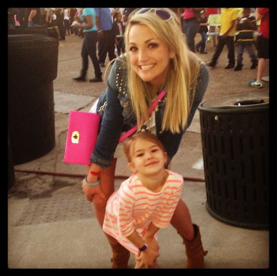 jamie lynn spears and her daughter! 22 years old now with a 6 year old girl