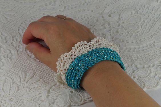 Häkelarmband, türkis Armband gehäkelt mit häkelspitze, 21,0 x 4,0 cm groß, Manschette mit Spitze, Armband gehäkelt, Geschenk für Frauen, von Spitzenmanufaktur auf Etsy