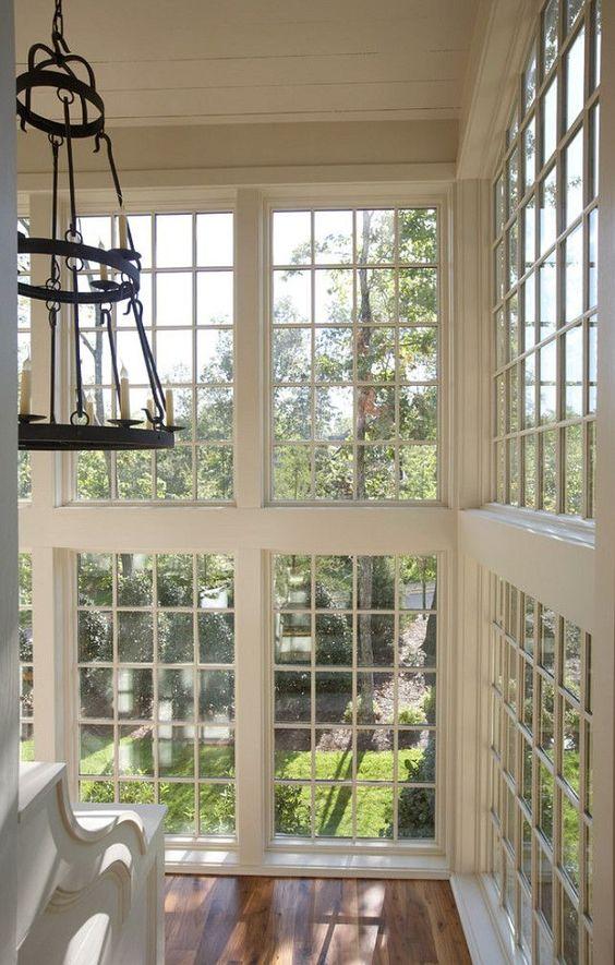 Schwedische Haus Design   Blick auf Küche und Treppenbereich