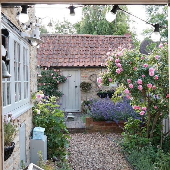 Modern country style for Country garden ideas for small gardens