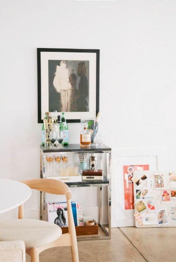 La oficina (muy femenina) de Erin de Apartment 34 · Erin's Apartment 34 feminine office