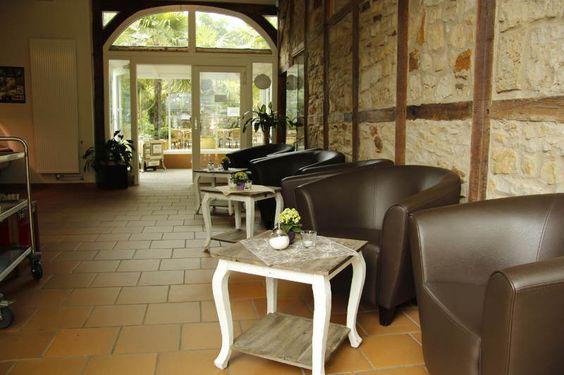 Bequeme Sessel sind Teil des neuen Mobiliars des Café Seerose
