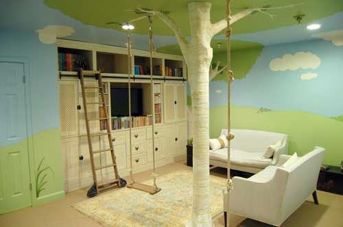 If I were 10 again and walked into this room (heck, even now), I would go crazy! The swing, rope, and ladder make this forest-style loft fun for everyone! Definitely embellishing one of my rooms with something interactive.