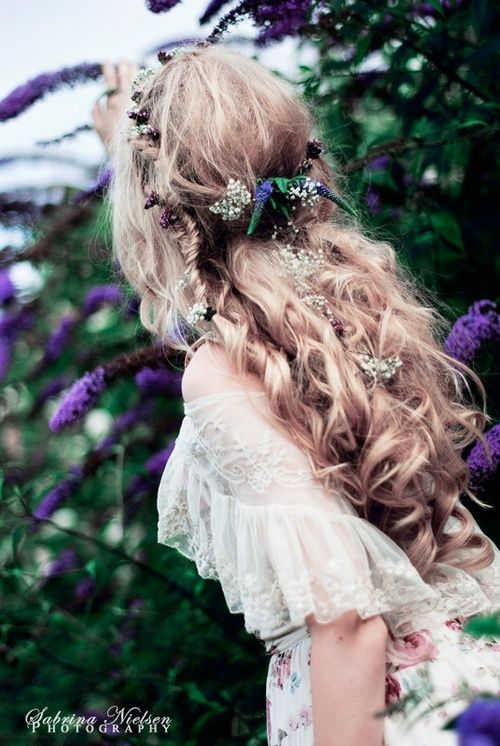 Beautiful boho hair and dress amongst the lilacs :)