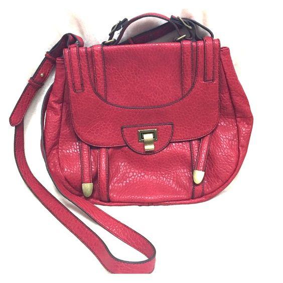 JESSICA SIMPSON handbag JESSICA SIMPSON red handbag with adjustable shoulder strap. Never been used. #jessicasimpson #handbag #purse Jessica Simpson Bags Shoulder Bags