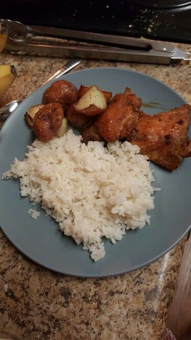 Brown sugar chicken, purples potatoes and puertorrican white rice.