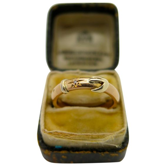 An Early English Victorian 22k Gold buckle wedding ring 1865