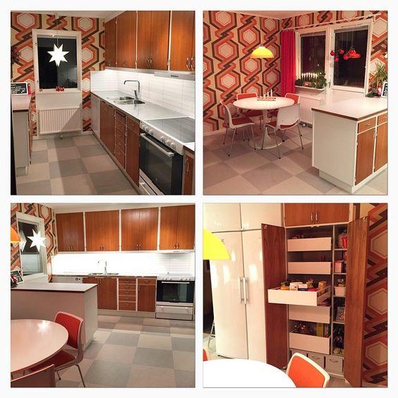 """""""Mina vänner låt mig presentera - vårt kök Äntligen klart!! Köket från -65 som vi köpte på blocket är nu på plats, likaså nytt golv, tak, tapeter,…"""""""