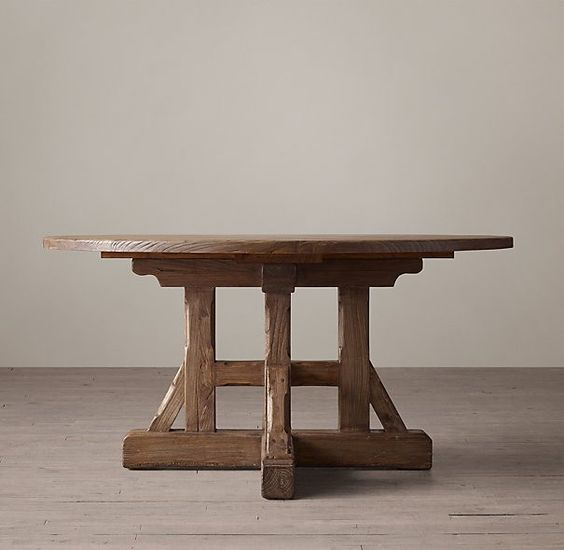 Williams Furniture Grand Round Oak Dining Table
