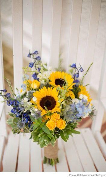 21 Perfect Sunflower Wedding Bouquet Ideas For Summer