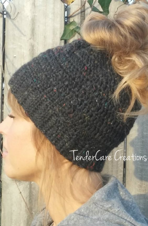 Crochet Messy Bun Beanie : Crochet Messy Bun Beanie, Ponytail Beanie, Crochet Runners hat,Crochet ...
