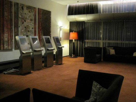 In your living room !?! 4 SlimW kiosks !?! ..... Oh ! In a hotel conference.