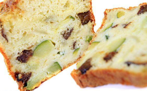 Cake � la courgette, lardons et fromage de ch�vre