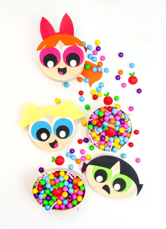Check out our super cute and easy to make #DIY Powerpuff Girls Treat Boxes. Fans can now stream the classic series only on Hulu! #PowerpuffOnHulu #AD