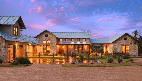 Texas Hill Country Ranch Home Offers A Water S Edge Retreat Ranch House Designs Ranch House Exterior Country House Design