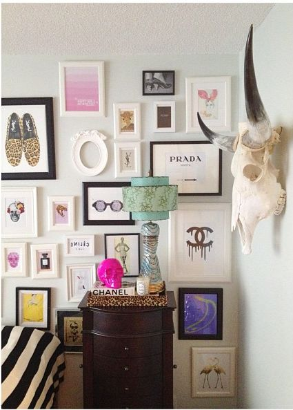 fashion gallery wall // mini frames // bedroom vanity: