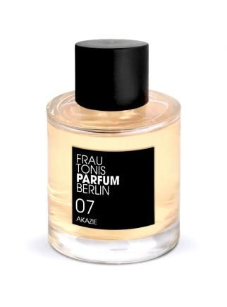 NO. 07 ACACIA | elegant, dewy, floral | Fresh acacia blossoms combined with a slightly resinous wood note make this an elegant, intense and feminine eau de pefume with a distinctive character.