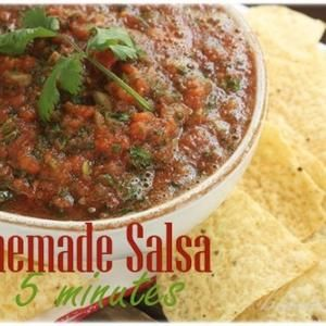 Homemade Salsa {In 5 Minutes}