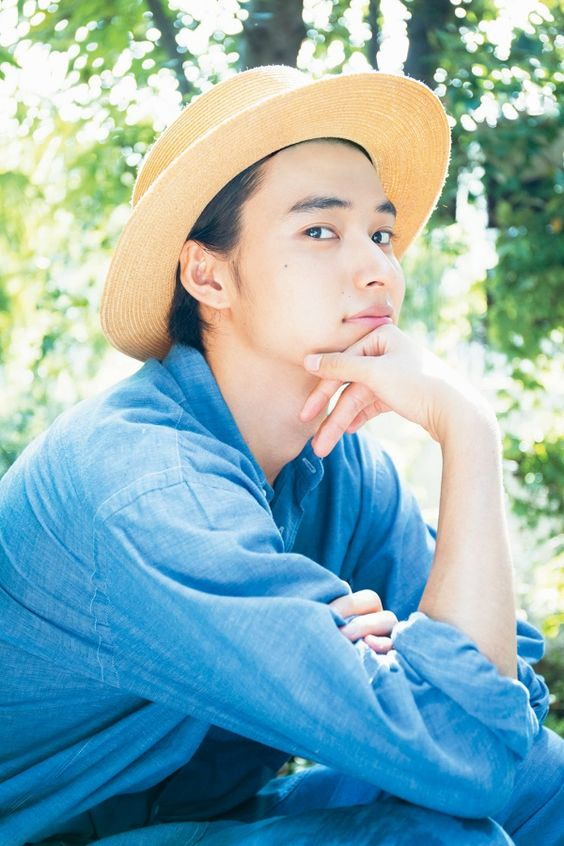 夏コーデの山崎賢人のかわいい画像