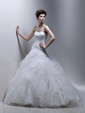 This is a seriously romantic dress love the little for Used wedding dresses fort wayne indiana