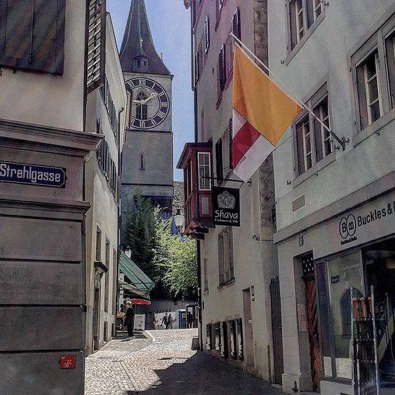 Strehlgasse with a view #church #strehlgasse #swiss #switzerland #zurich #zürich #zuerich  M Y  H A S H T A G :: #pdeleonardis C O P Y R I G H T :: @pdeleonardis C A M E R A :: iPhone6  #visitzurich #ourregionzurich #Zuerich_ch #igerzurich #Züri #zurich_switzerland #ig_switzerland #visitswitzerland #ig_europe #wu_switzerland #igerswiss #swiss_lifestyle #aboutswiss #sbbcffffs #ig_swiss #amazingswitzerland #loves_switzerland #switzerland_vacations #pictureoftheday #picoftheday #bestoftheday…