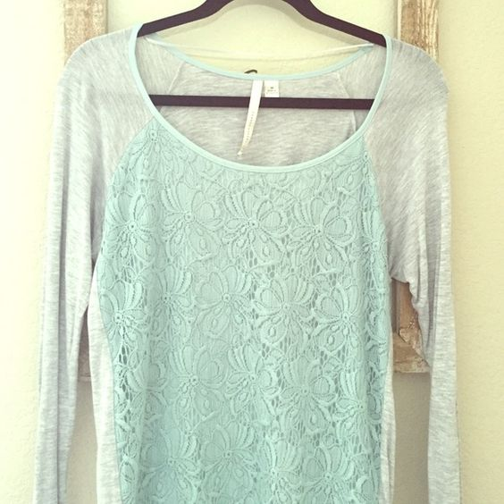 Comfy lace front high low long sleeve top In great condition! It's a comfortable and thin material! Scoop neck. Bundle and save  LC Lauren Conrad Tops