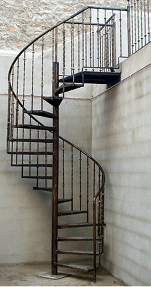 Escalera caracol herreria pinterest metals for Escaleras caracol sodimac