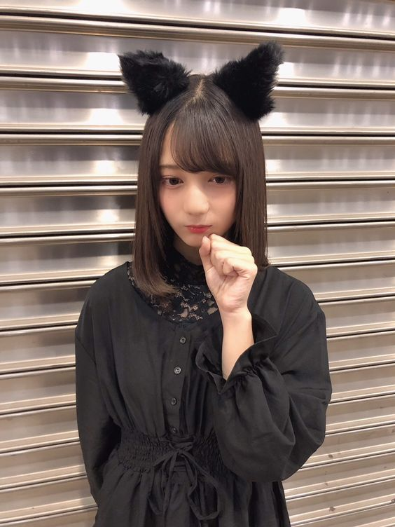 猫耳の小坂菜緒