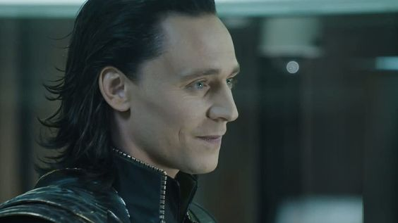15 Tom Hiddleston Marvel Memes You Need In Your Life, Because Loki Is Just The Best | Bustle